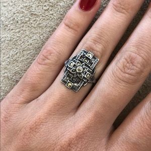 Jewelry - Antique ring